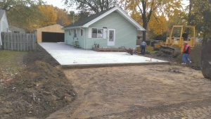 Building contractor, excavating, grading